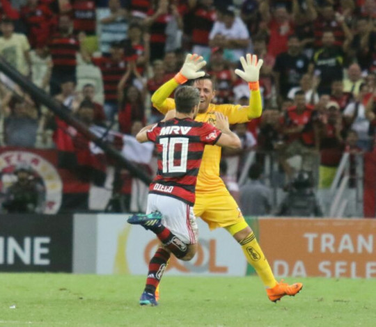 Com Maracanã lotado, Flamengo recebe Ceará pelo Brasileirão