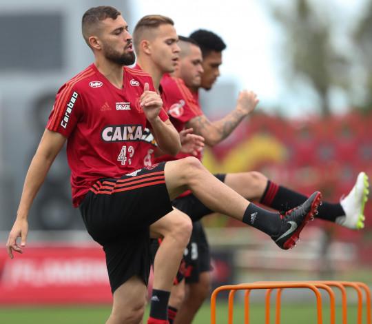 Hora de semifinal: Flamengo e Corinthians se enfrentam no Maracanã