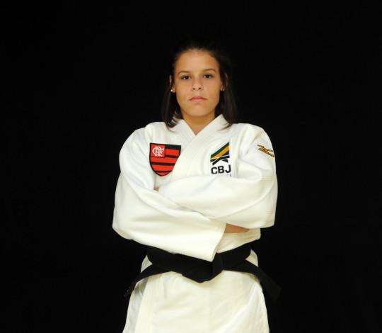 Luana Costa treina pesado para chegar forte nas próximas competições