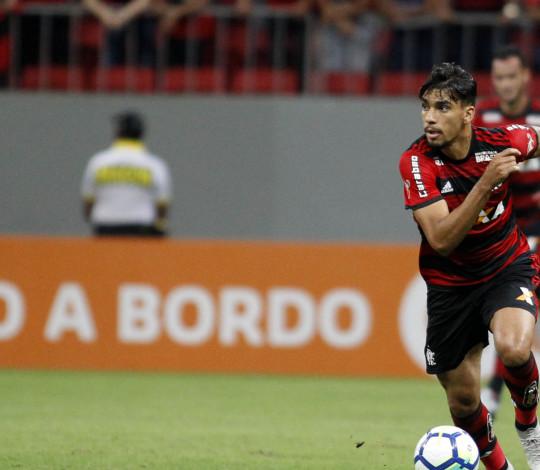 Flamengo e Vasco empatam por 1 a 1 no Mané Garrincha pelo Brasileirão