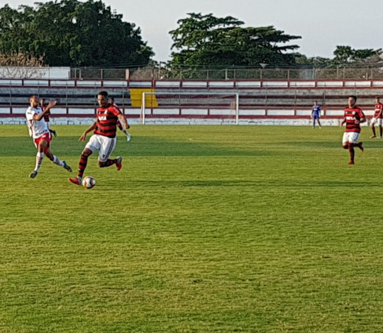 Flamengo faz 3 a 0 no Bangu e encaminha o título da Taça Guanabara Sub-17