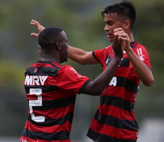 Garotos do Ninho chegam à semifinal do Brasileiro Sub-20 com a melhor campanha