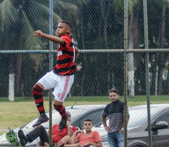 Sub-16 recebe o Piscinão de Ramos pela última rodada do Torneio Guilherme Embry