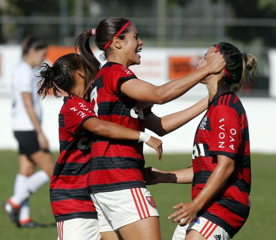 Flamengo/Marinha marca duas vezes, quebra invencibilidade do Corinthians e larga bem na semifinal