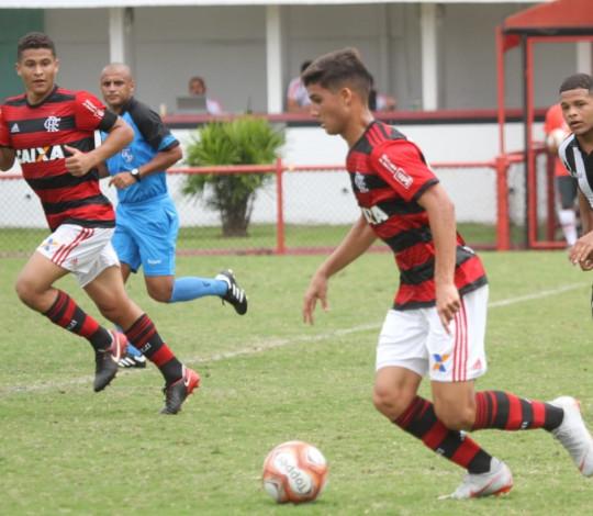Flamengo recebe a Portuguesa em busca do tricampeonato da Taça Guanabara Sub-17