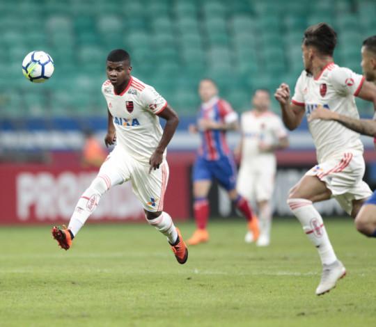 Na estreia de Dorival, Flamengo empata com Bahia pelo Campeonato Brasileiro
