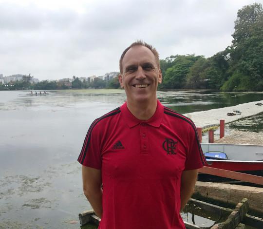 Remo rubro-negro recebe o treinador alemão Bernhard Stomporowski