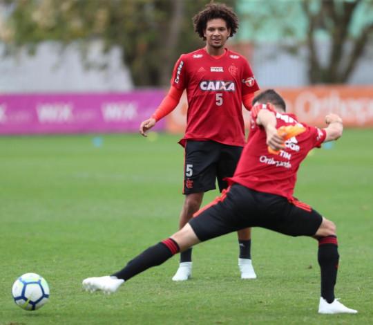 Dorival Júnior comanda primeiro treino no Ninho do Urubu
