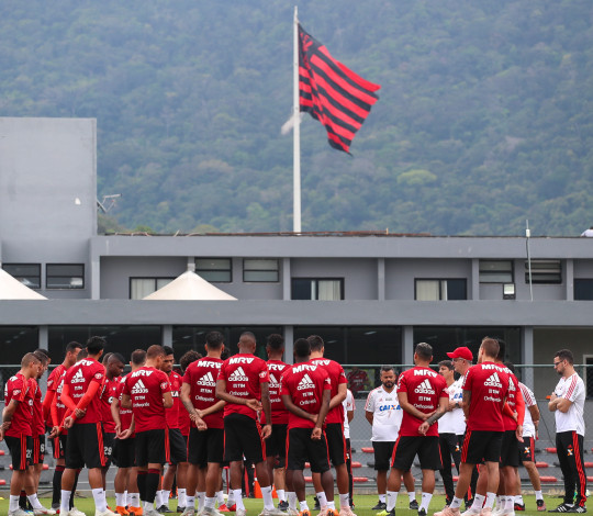 Flamengo enfrenta Corinthians pelo Campeonato Brasileiro