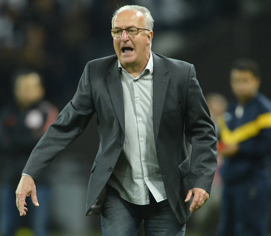 Dorival Júnior destaca postura da equipe para derrotar o Corinthians