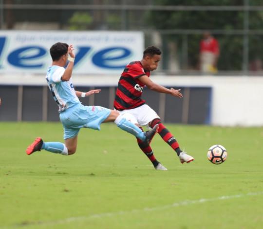 Sub-17 goleia o Londrina e está na segunda fase da Copa do Brasil