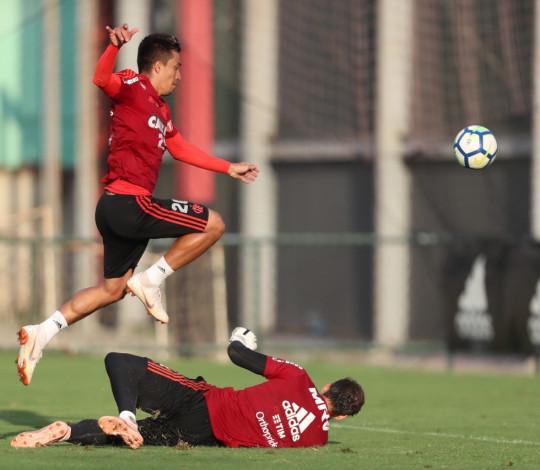 Flamengo realiza treino intenso no Ninho