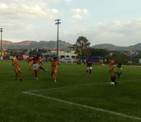 Sub-14 goleia o Figueirense e garante vaga nas oitavas de final da Copa Brasileirinho Internacional