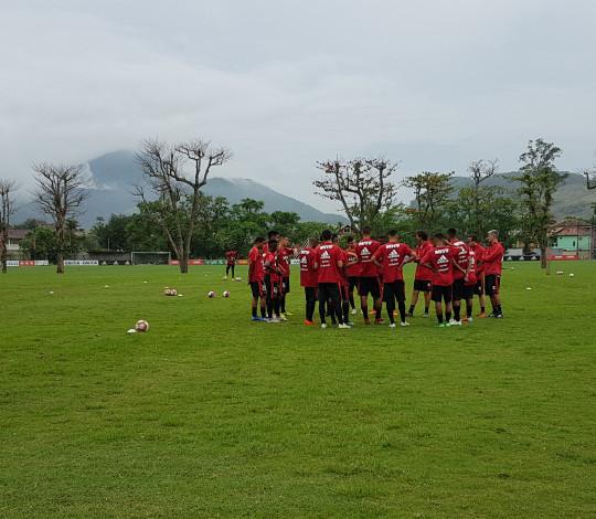Sub-20 se prepara para estreia no Torneio OPG