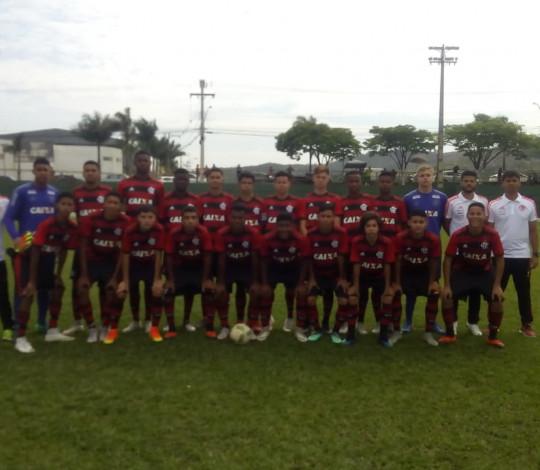 Sub-14 goleia novamente e já está nas quartas de final da Copa Brasileirinho Internacional