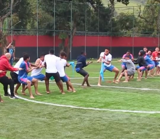 Dia das Crianças: equipe de Pedagogia e do Futebol de Base proporcionam tarde lúdica aos atletas