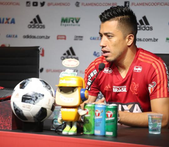 Uribe elogia Dorival e fala sobre confronto contra Paraná