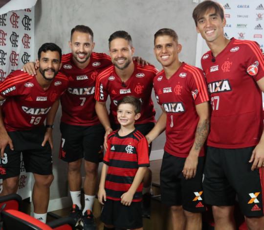 Coprodução de Flamengo e Ferrorama.TV, vídeo de Dia das Crianças bate recordes na rede em 72h
