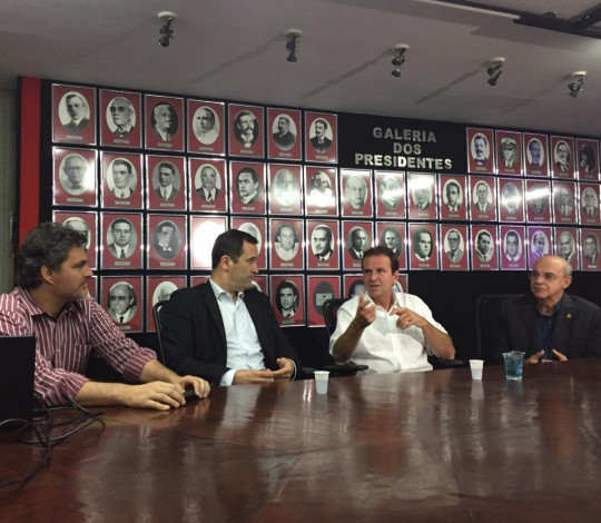 Flamengo apresenta planos para gestão do Maracanã ao candidato ao governo Eduardo Paes
