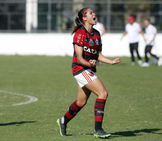 Cinco jogadoras do Flamengo/Marinha são convocadas para semana de treinos na Seleção Brasileira
