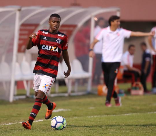 Flamengo recebe Carapebus de olho nas quartas de final do OPG