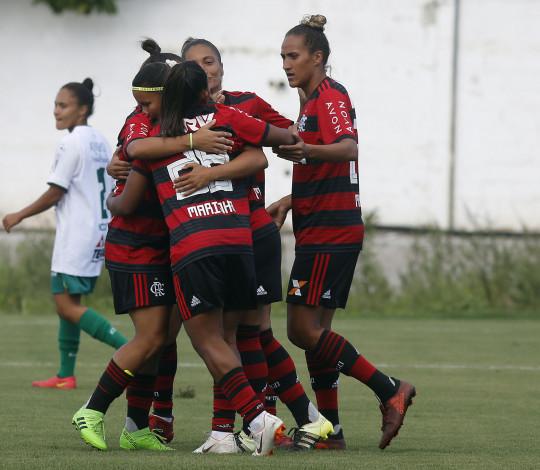 Flamengo/Marinha domina e goleia Portuguesa no Luso Brasileiro