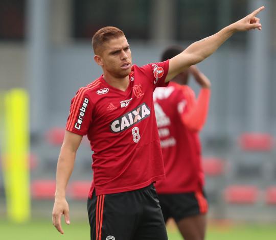 Embalado por boas atuações, Flamengo enfrenta o Paraná pelo Brasileirão