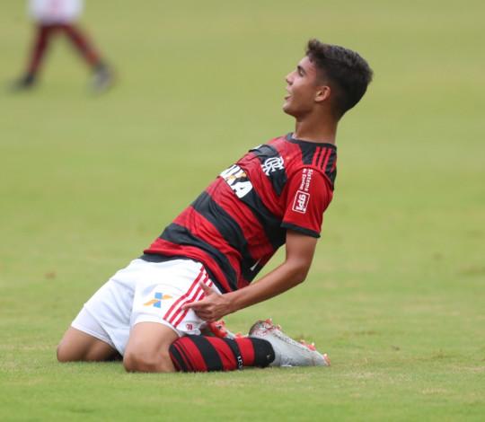Sub-17 vence América MG com tranquilidade e está nas quartas de final da Copa do Brasil