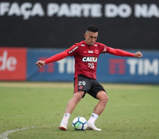 Em confronto direto pela liderança, Flamengo recebe Palmeiras no Maracanã