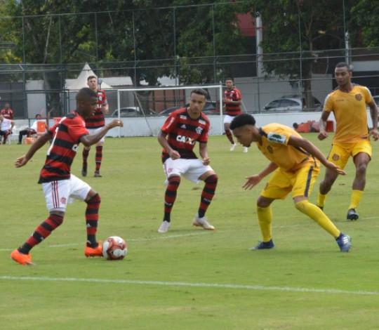 Sub-20 derrota o Madureira e se recupera no Torneio OPG
