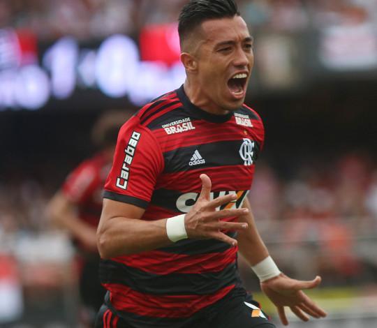 Flamengo empata com São Paulo e fica mais distante da liderança