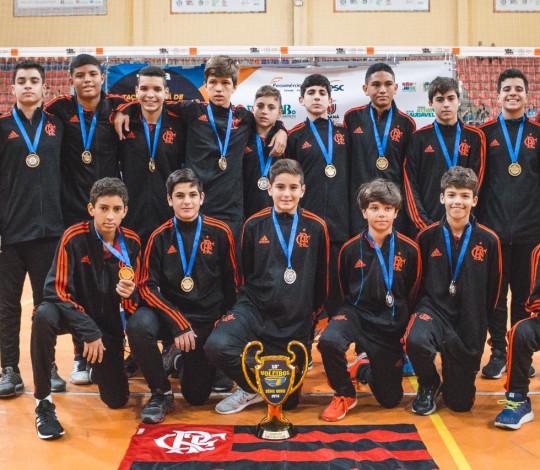 Flamengo é campeão invicto da 18ª Taça Paraná na categoria Sub-14