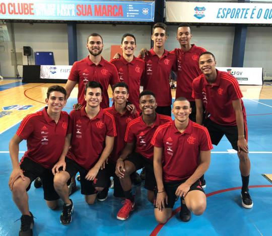 Equipe Sub-19 do Flamengo encara o Brasileiro Interclubes de Vôlei