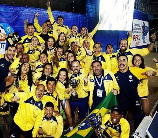 Rubro-negros são campeões do Sul-Americano de Natação pela Seleção Brasileira