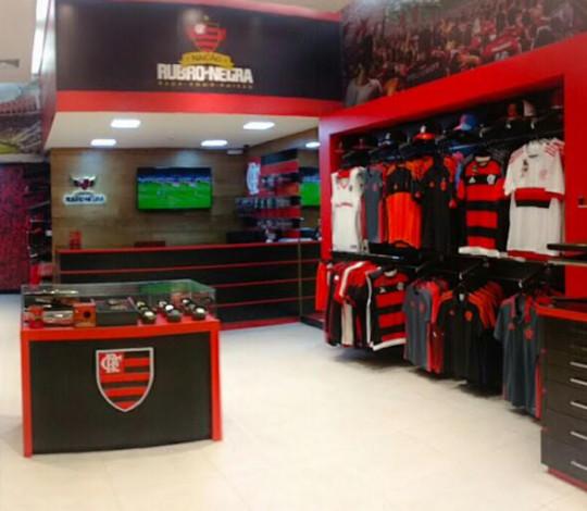 Flamengo inaugura 55ª loja oficial empregando moradores de Rio das Pedras