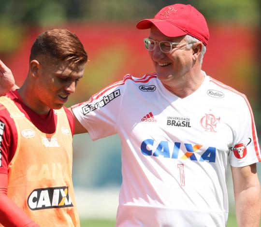 Dorival fala sobre mudanças na equipe para o duelo contra o Santos