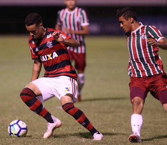 Flamengo e Fluminense se encaram pelo título do Torneio OPG Sub-20