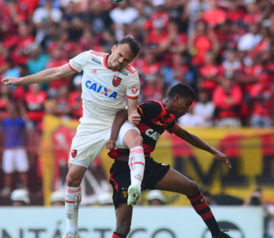Com um a menos, Flamengo se supera e vence o Sport na Ilha do Retiro