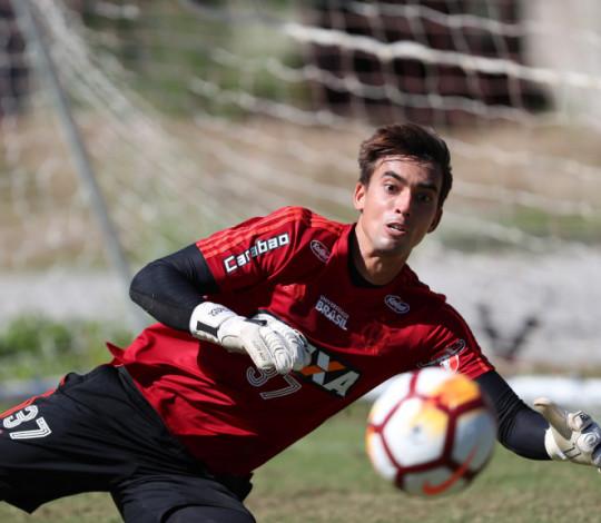 César destaca importância da Nação no confronto diante do Grêmio