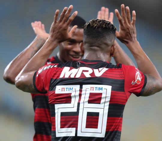 Flamengo homenageia ídolos negros em jogo contra o Cruzeiro