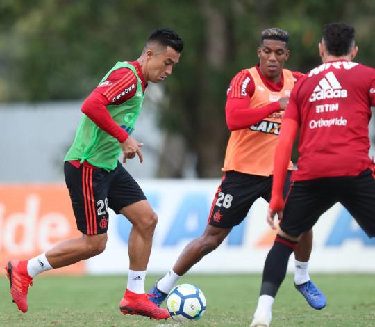 Flamengo visita o Cruzeiro em jogo válido pela penúltima rodada do Brasileirão