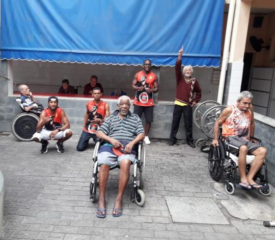 Visita do Consulado Acima de Tudo Rubro-negro ao Asilo São Vicente em Rio Bonito