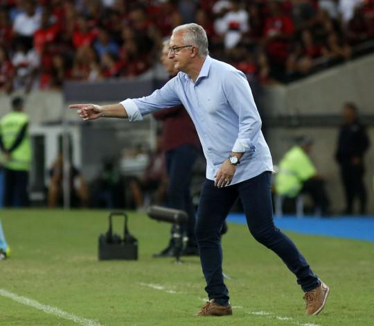 Dorival Júnior enaltece trabalho do Flamengo
