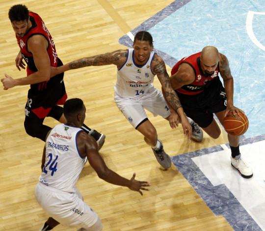 Em prévia do Super 8, Flamengo vence Minas fora de casa e chega à décima vitória no NBB