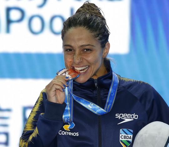 Daiene Dias faz história no Mundial de Natação