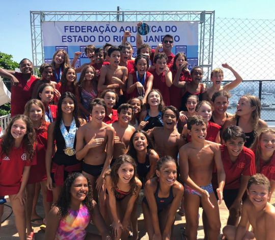 É campeão! Flamengo conquista o título do Campeonato Estadual Petiz de Verão de Natação