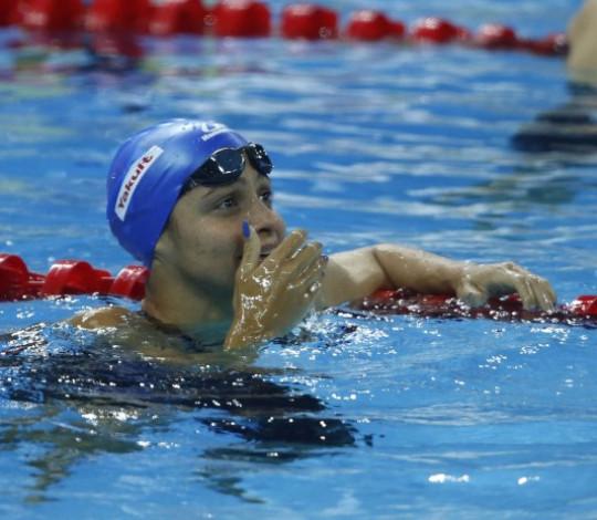 Daiene Dias se emociona com feito histórico na natação brasileira