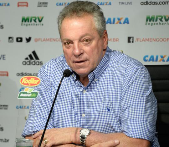 Abel Braga é oficialmente apresentado como treinador do Flamengo para 2019