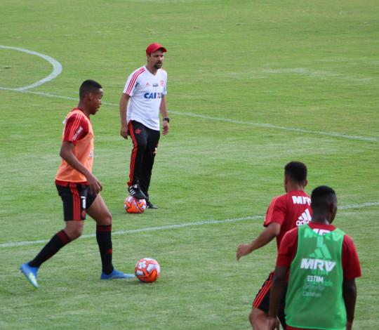 Garotos do Ninho treinam de olho em mais um desafio da Copa São Paulo