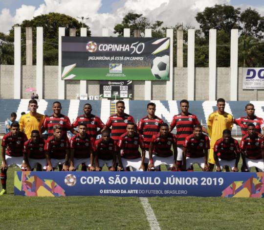 Flamengo encara Jaguariúna em jogo decisivo da Copinha